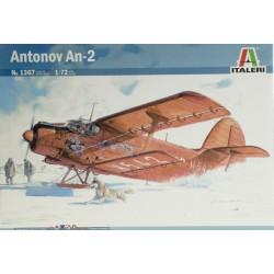 ITALERI_ ANTONOV AN-2_ 1/72