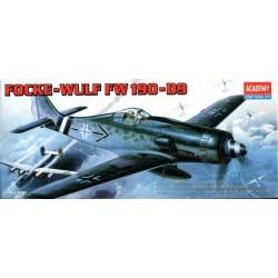 ACADEMY_ FOCKE-WULF FW-190D-9_ 1/72