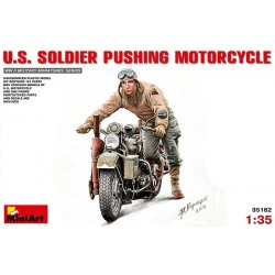 MINIART_ US SOLDIER PUSHING MOTORCYCLE_ 1/35