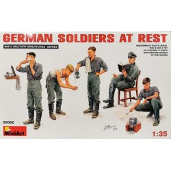 MINIART_ GERMAN SOLDIERS AT REST_ 1/35