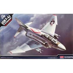 """ACADEMY_  USN F-4J """"VF-102 Diamondbacks_ 1/48 box art"""