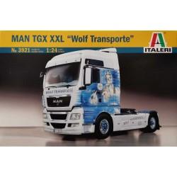 """Italeri_ MAN TGX XXL """"Wolf Transporte""""_ 1/24"""