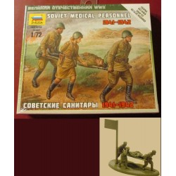 ZVEZDA_SOVIET MEDICAL PERSONNEL 1941-1942_1/72