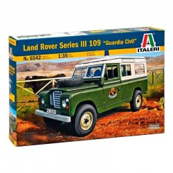 "ITALERI_ LAND ROVER SERIES III 109 ""GUARDIA CIVIL""_ 1/35"